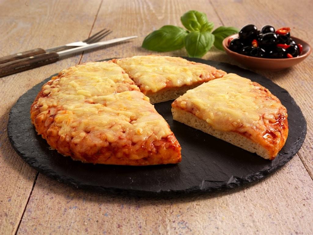 Capri Cheese and Tomato Pizza